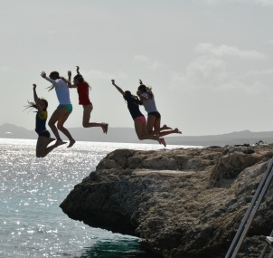Villa Lunt Bonaire Oil Slick Cliff Jumping